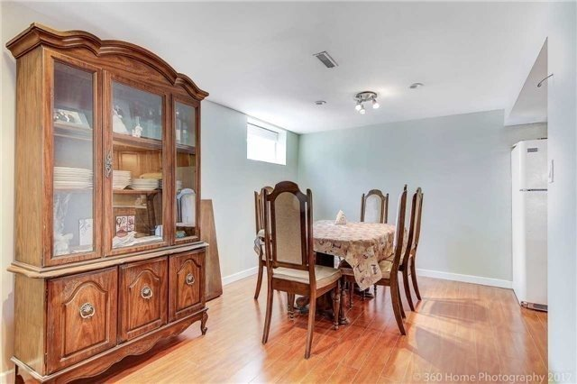 Detached at 138 Orchard Heights Blvd, Aurora, Ontario. Image 9