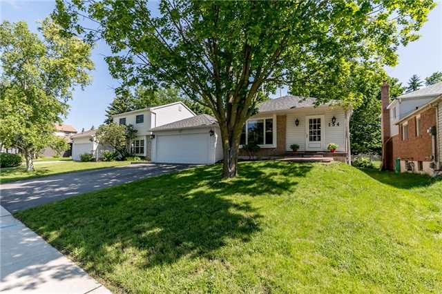 Detached at 154 Hilltop Dr, East Gwillimbury, Ontario. Image 1
