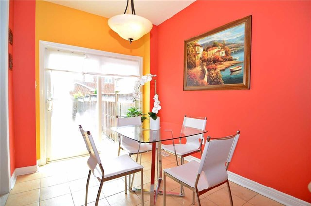 Semi-detached at 126 Andes Cres, Vaughan, Ontario. Image 2