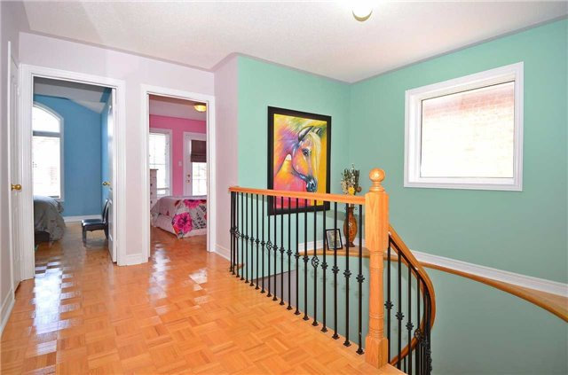Semi-detached at 126 Andes Cres, Vaughan, Ontario. Image 4
