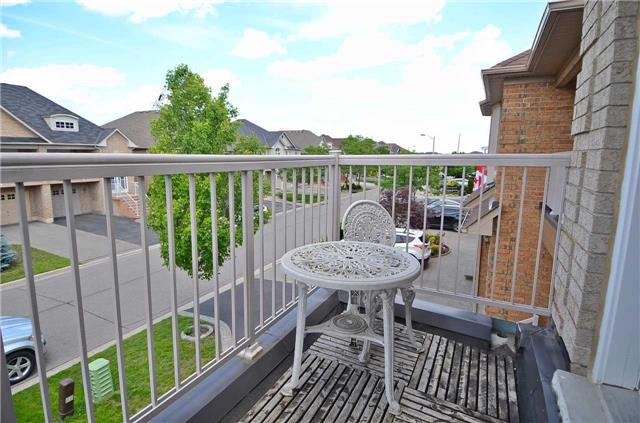 Semi-detached at 126 Andes Cres, Vaughan, Ontario. Image 11