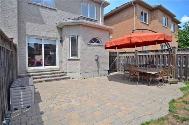 Semi-detached at 126 Andes Cres, Vaughan, Ontario. Image 13
