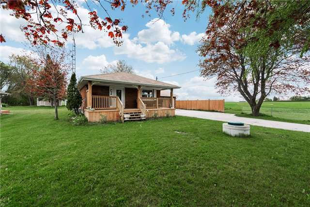 Detached at 2075 Gilford Rd, Innisfil, Ontario. Image 1