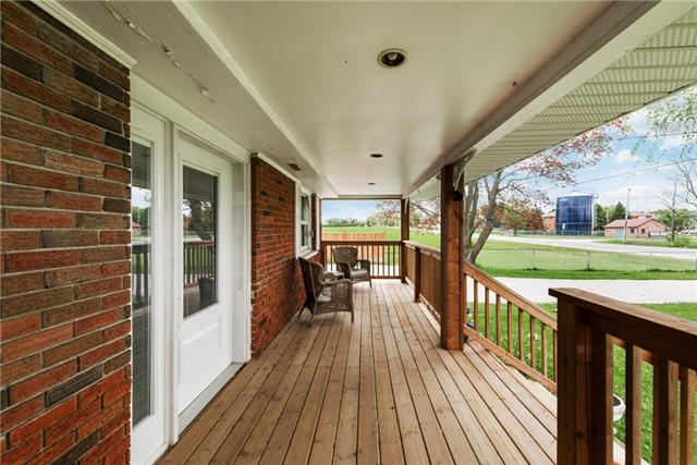 Detached at 2075 Gilford Rd, Innisfil, Ontario. Image 11