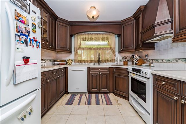 Detached at 2075 Gilford Rd, Innisfil, Ontario. Image 13