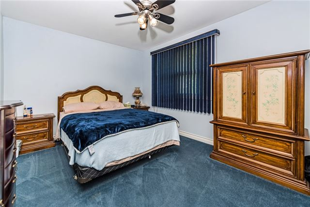 Detached at 2075 Gilford Rd, Innisfil, Ontario. Image 16