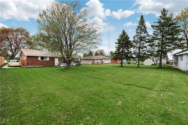 Detached at 2075 Gilford Rd, Innisfil, Ontario. Image 7