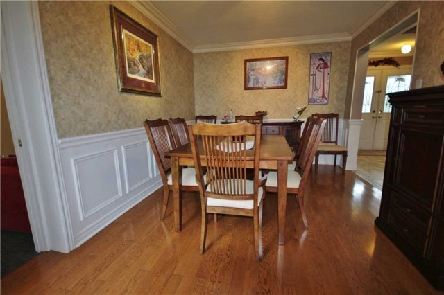 Detached at 705 Happy Vale Dr, Innisfil, Ontario. Image 5