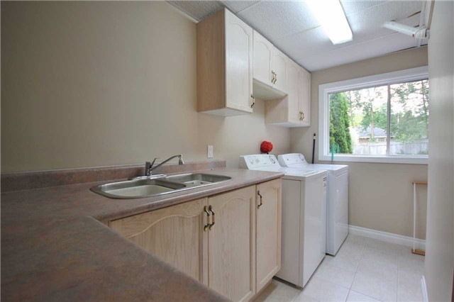 Detached at 705 Happy Vale Dr, Innisfil, Ontario. Image 13