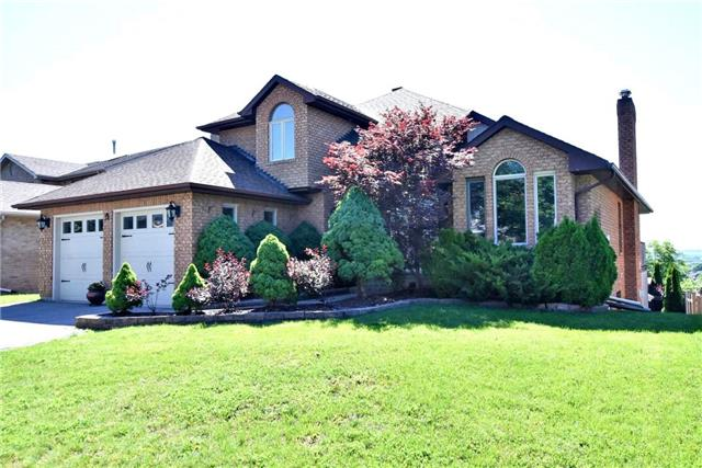 Detached at 34 Royal Crt, Bradford West Gwillimbury, Ontario. Image 1