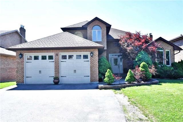 Detached at 34 Royal Crt, Bradford West Gwillimbury, Ontario. Image 9