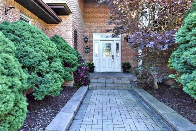 Detached at 34 Royal Crt, Bradford West Gwillimbury, Ontario. Image 10