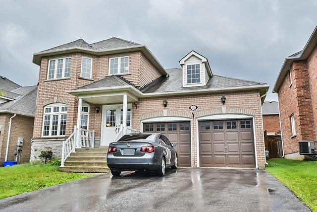 Detached at 165 Flagstone Way, Newmarket, Ontario. Image 1