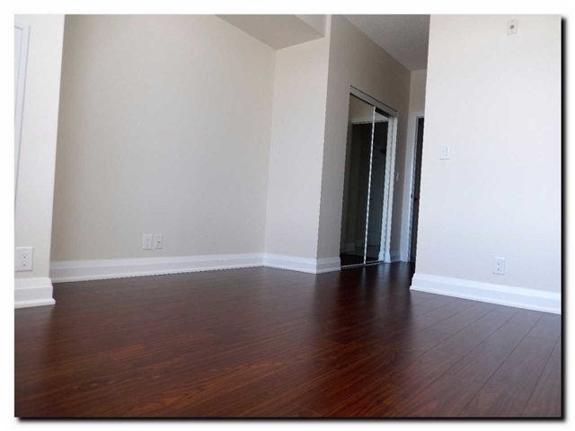 Condo Apartment at 24 Woodstream Blvd, Unit 312, Vaughan, Ontario. Image 3