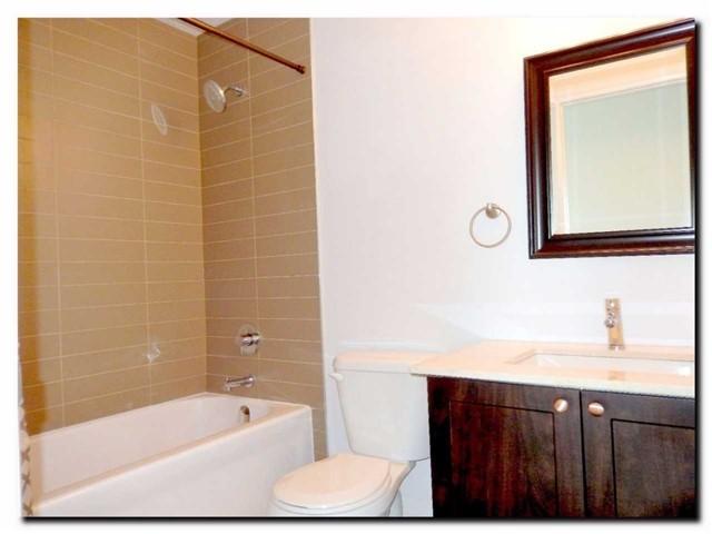 Condo Apartment at 24 Woodstream Blvd, Unit 312, Vaughan, Ontario. Image 7