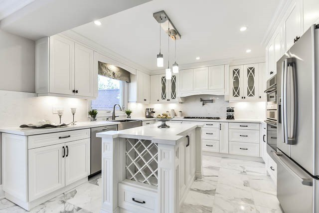 Detached at 46 Northgate Cres, Richmond Hill, Ontario. Image 2