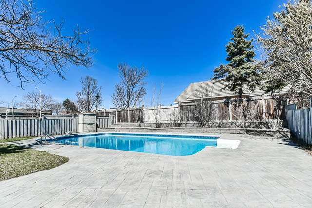 Detached at 46 Northgate Cres, Richmond Hill, Ontario. Image 11