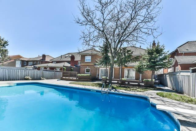 Detached at 46 Northgate Cres, Richmond Hill, Ontario. Image 13