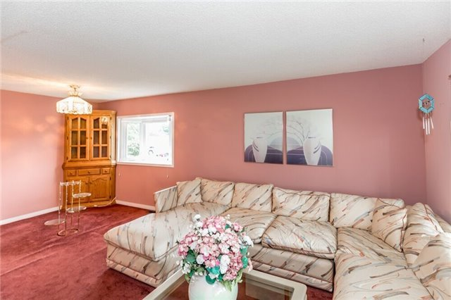 Detached at 35 Hawthorne Dr, Innisfil, Ontario. Image 15