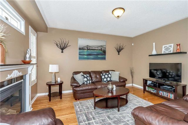 Detached at 26 Merdock Crt, Whitchurch-Stouffville, Ontario. Image 3