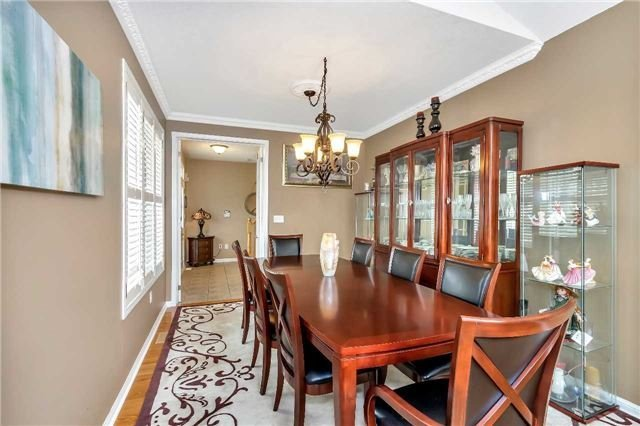 Detached at 26 Merdock Crt, Whitchurch-Stouffville, Ontario. Image 4