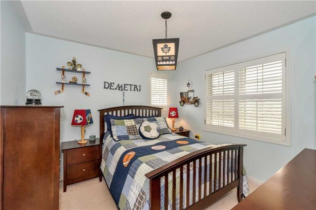 Detached at 26 Merdock Crt, Whitchurch-Stouffville, Ontario. Image 7