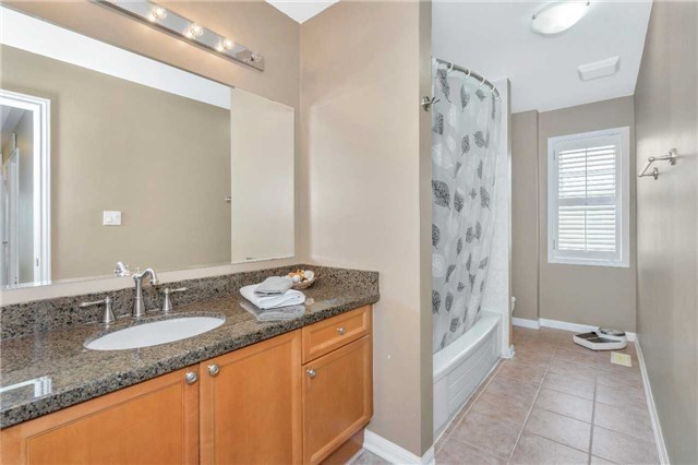 Detached at 26 Merdock Crt, Whitchurch-Stouffville, Ontario. Image 11