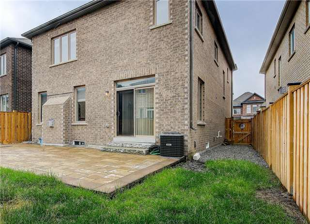 Detached at 56 Bracknell Ave, Markham, Ontario. Image 7