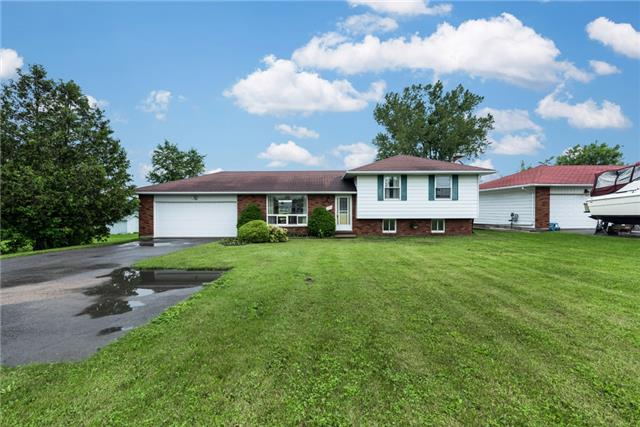 Detached at 2164 Innisfil Beach Rd, Innisfil, Ontario. Image 1