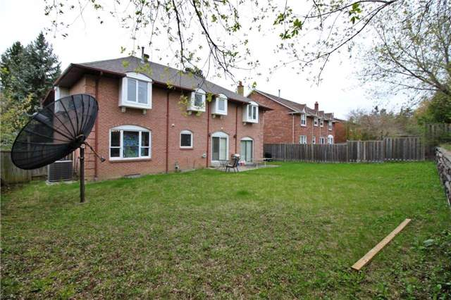 Detached at 78 Windermere Cres, Richmond Hill, Ontario. Image 4