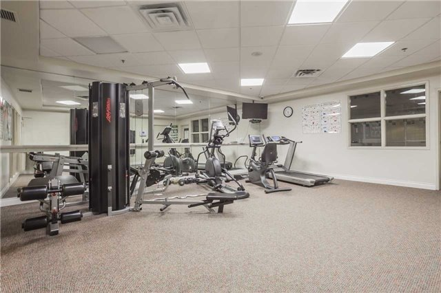Condo Apartment at 51 Times Ave, Unit 806, Markham, Ontario. Image 3