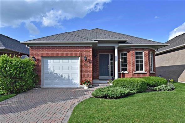 Detached at 94 Lee's Gallery Rd, Whitchurch-Stouffville, Ontario. Image 1