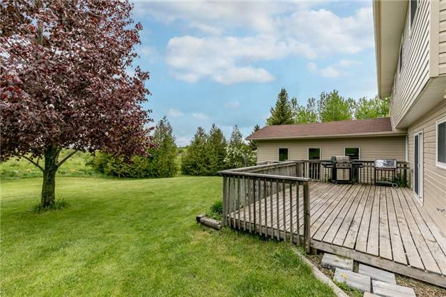 Detached at 5026 8th Line, Essa, Ontario. Image 9