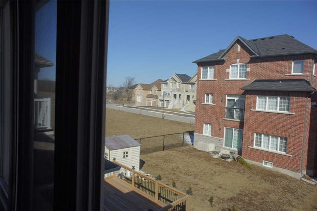Detached at 41 Greenspire Ave, Markham, Ontario. Image 4