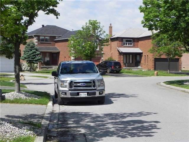 Detached at 15 Okanagan Dr, Richmond Hill, Ontario. Image 5