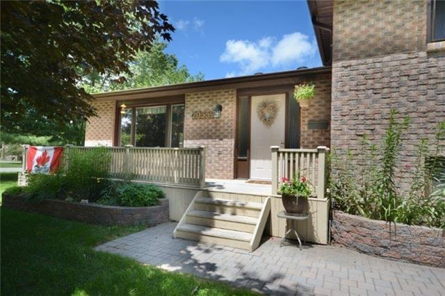 Detached at 20359 Yonge St, East Gwillimbury, Ontario. Image 12