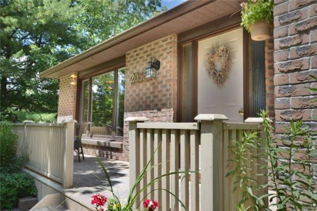 Detached at 20359 Yonge St, East Gwillimbury, Ontario. Image 14