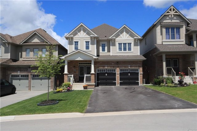 Detached at 32 Cauthers Cres, New Tecumseth, Ontario. Image 1