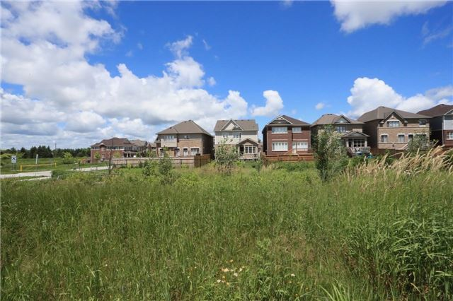 Detached at 32 Cauthers Cres, New Tecumseth, Ontario. Image 10