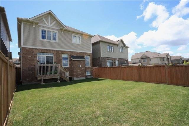 Detached at 32 Cauthers Cres, New Tecumseth, Ontario. Image 7