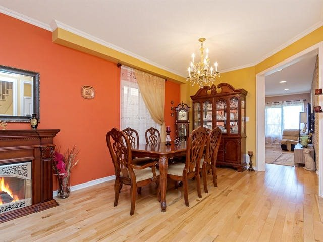 Detached at 32 Richbell St, Vaughan, Ontario. Image 15