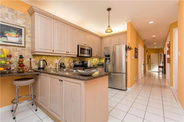 Detached at 32 Richbell St, Vaughan, Ontario. Image 20