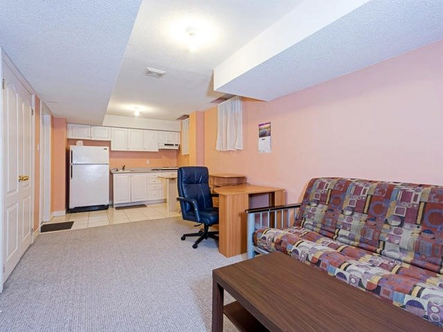 Detached at 32 Richbell St, Vaughan, Ontario. Image 11
