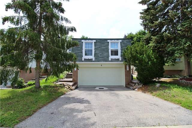 Detached at 8 Plaisance Rd, Richmond Hill, Ontario. Image 1