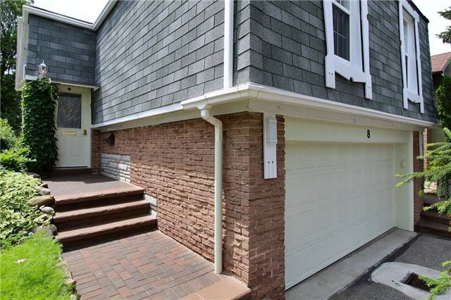 Detached at 8 Plaisance Rd, Richmond Hill, Ontario. Image 12