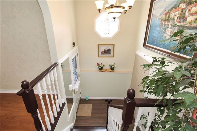 Detached at 8 Plaisance Rd, Richmond Hill, Ontario. Image 14