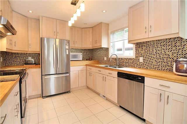 Detached at 8 Plaisance Rd, Richmond Hill, Ontario. Image 18