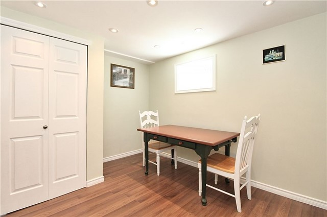 Detached at 8 Plaisance Rd, Richmond Hill, Ontario. Image 8