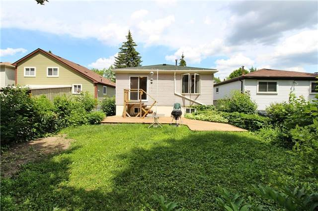Detached at 8 Plaisance Rd, Richmond Hill, Ontario. Image 13