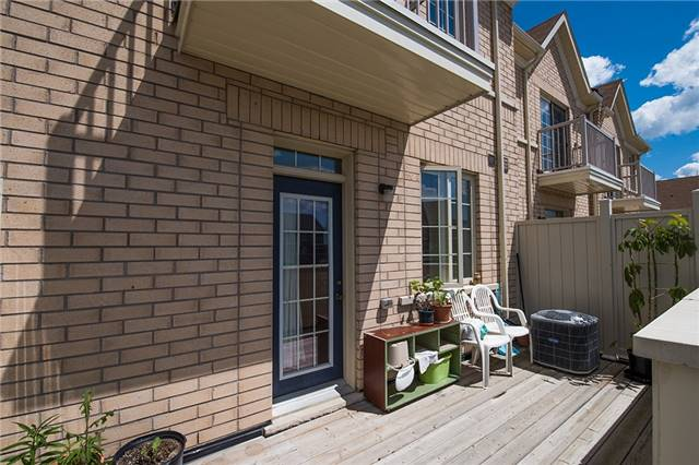 Townhouse at 27 Cathedral High St, Markham, Ontario. Image 5